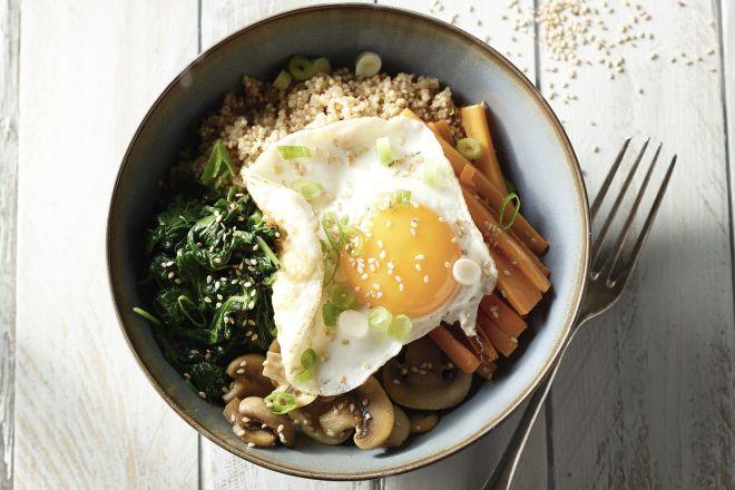 Koreaanse bibimbap met quinoa